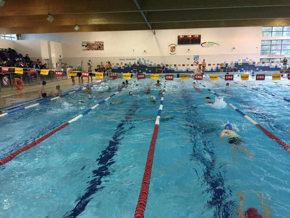 WOM zawody pływackie
