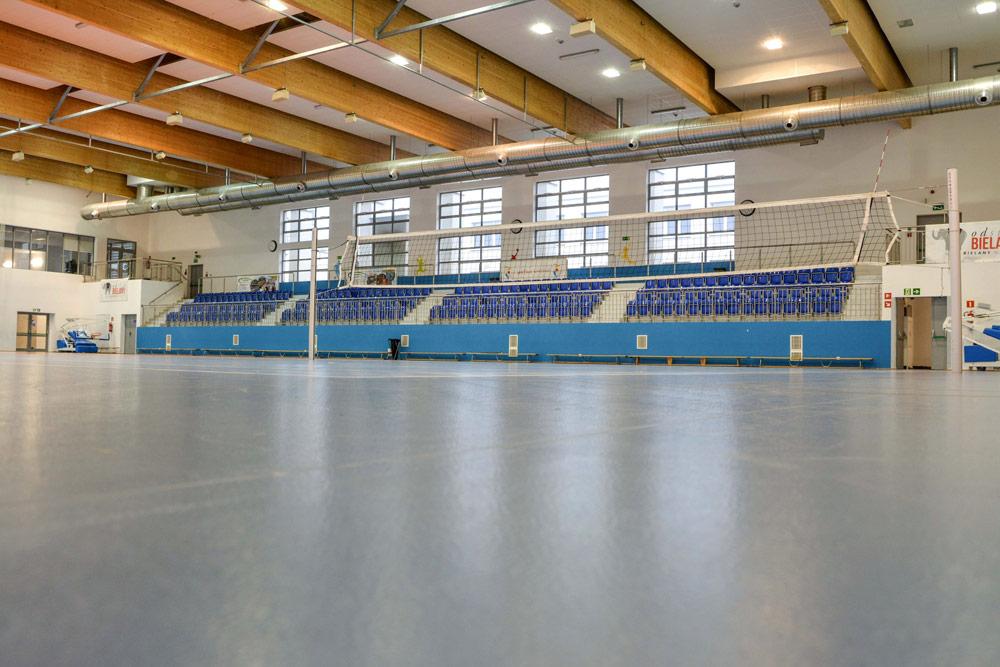 Fotografie widowni i wnętrz hali sportowej