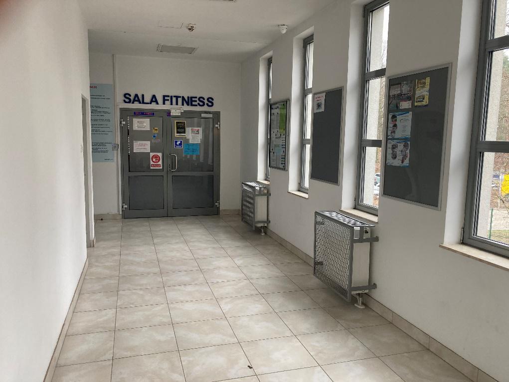 Hol prowadzący do sali fitness